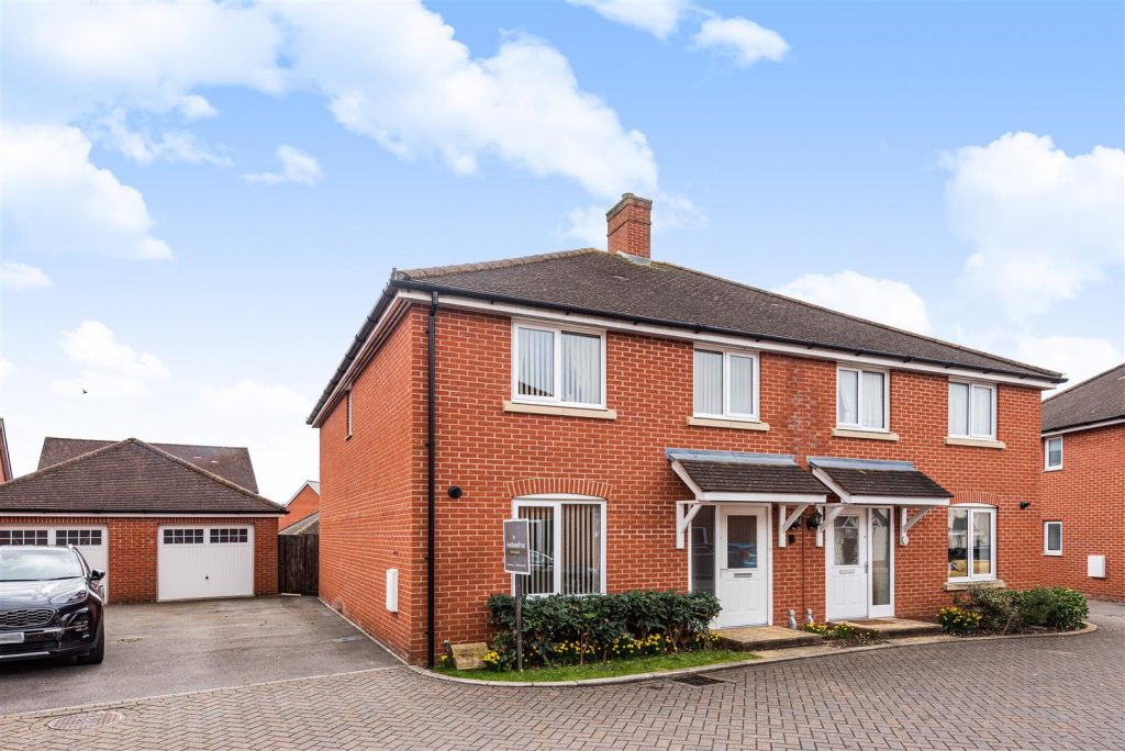 Foster Way, Romsey, Hampshire