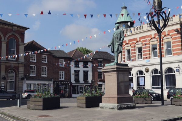 Romsey Town Centre - Lord Palmerston Statue, Town Hall
